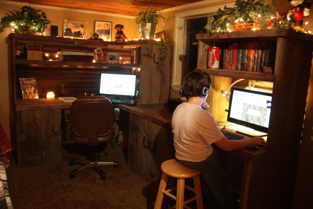 Aponi Studios Home Office